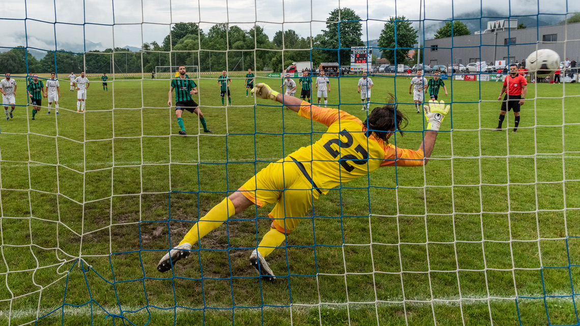 Finale 2e/3e ligue, égalisation du FC Courtételle sur penalty